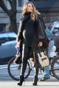 Blake-Lively how to be a stylish mum